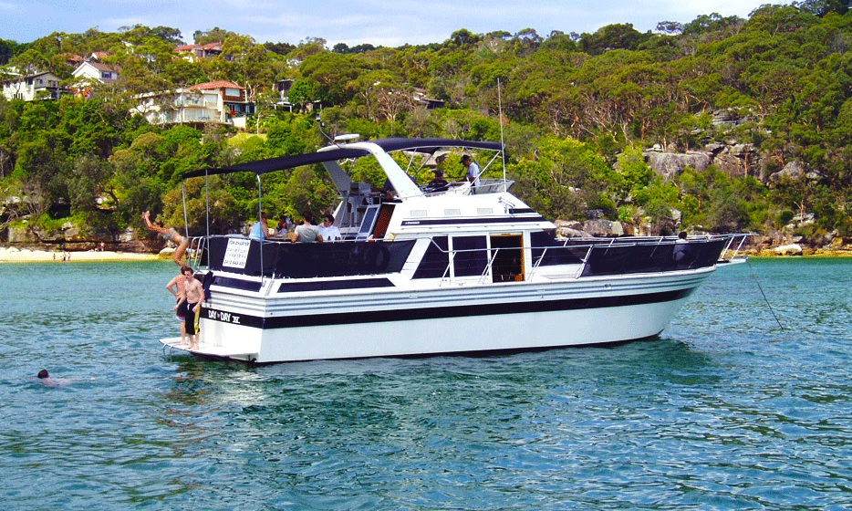 Day by Day boat Sydney | 47ft Cruiser | Private Cruises Sydney