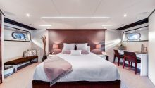 Corroboree boat sydney main bedroom