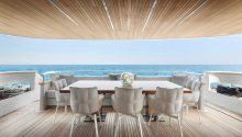 Au boat rear deck dining table