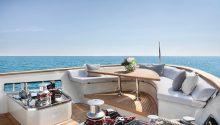 Au boat front deck