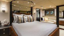 Privacy boat main bedroom